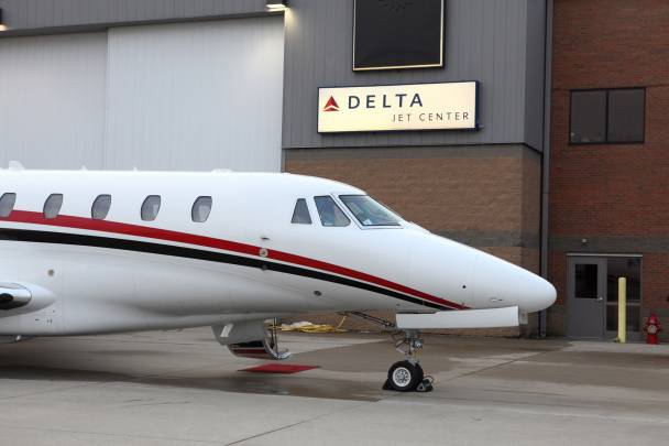 image 3 DELTA PRIVATE JETS